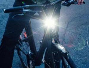 licht am fahrrad kaufberatung fahrradlicht lucky bike blog. Black Bedroom Furniture Sets. Home Design Ideas