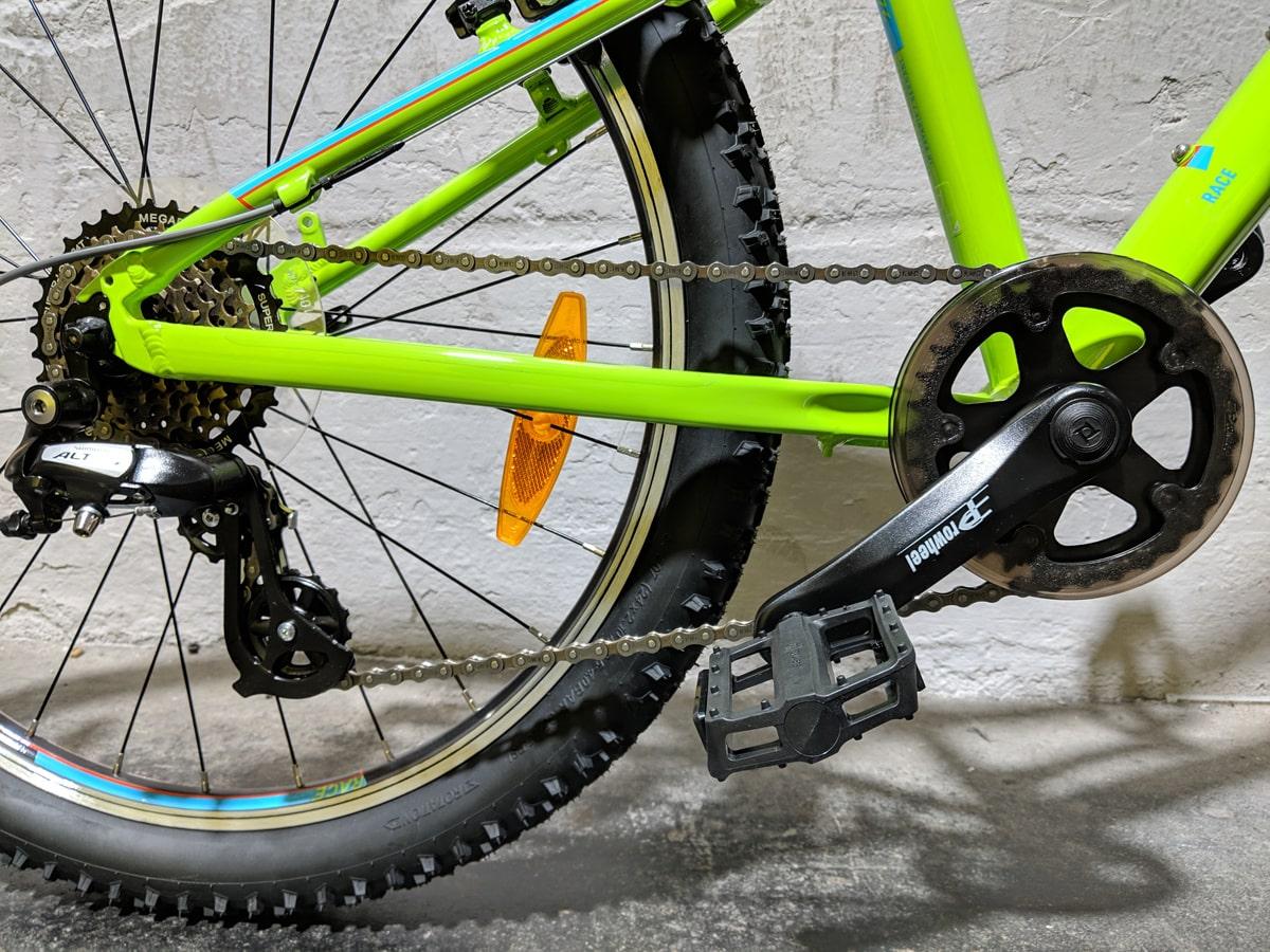 Cube Acid 240 Kinder Mountainbike - Kids MTB mit Kettenschutz