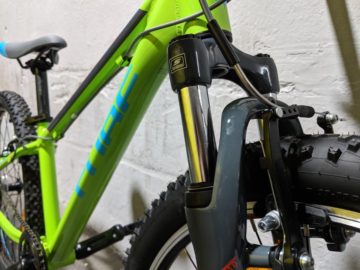 Cube Acid 240 Kinder Mountainbike - Kids MTB mit SR Suntour SF11 Federgabel