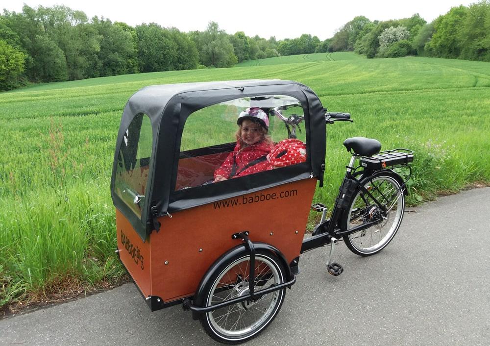 E-Lastenrad - Erfahrungsbericht einer jungen Mutter - Babboe Big E mit Kind - Lastenfahrrad Elektro
