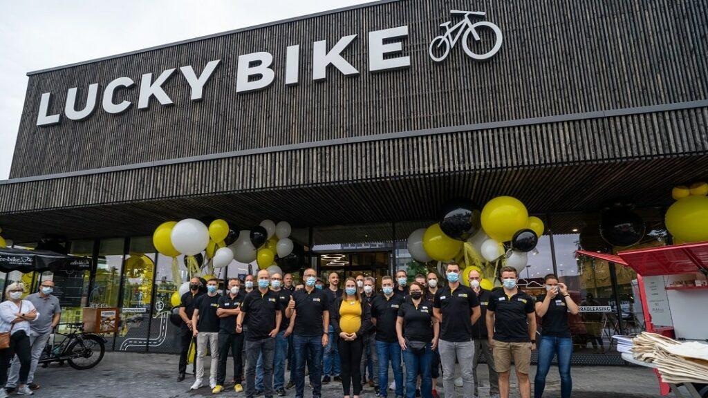 Lucky Bike_Bielefeld_Gruppenbild_Eröffnung