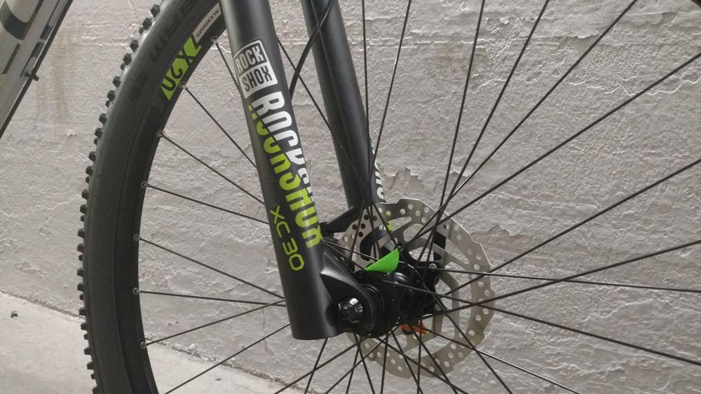 Test Cube Attention 2019 - Lucky Bike Blog Testbericht - Rock Shox Federgabel und Scheibenbremse