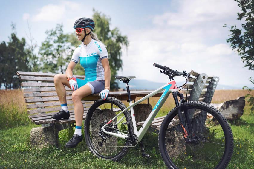 Mountainbikes für Frauen und Männer von Cube online kaufen