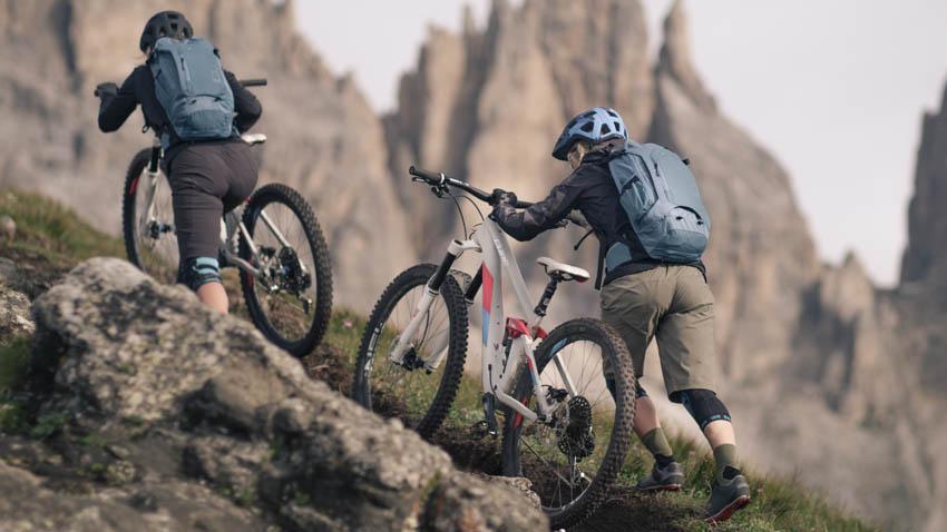 E-Bikes und E-MTBs für Einsteiger und Profis online kaufen