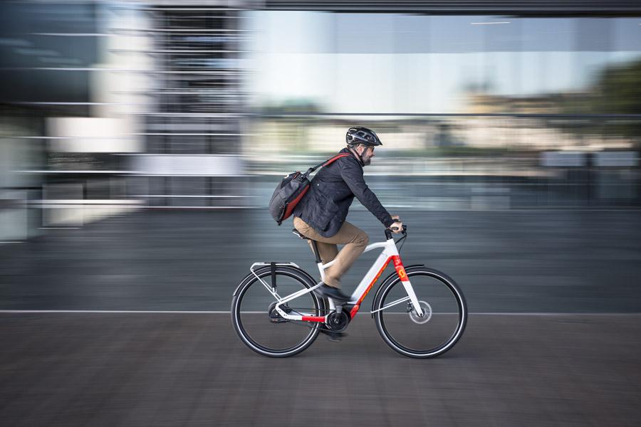 E-Bikes von Scott Bikes für Trekking und City günstig online kaufen