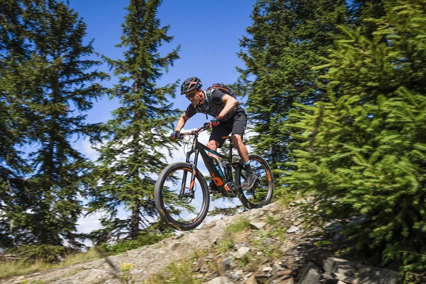 E-MTB Fully bei Lucky Bike kaufen - Offroad und Downhill-Touren auf dem vollgefederten E-Mountainbike